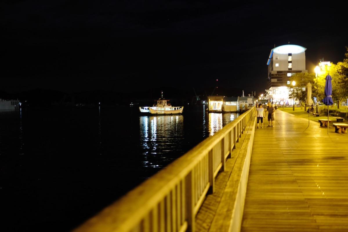 夜の散歩風景